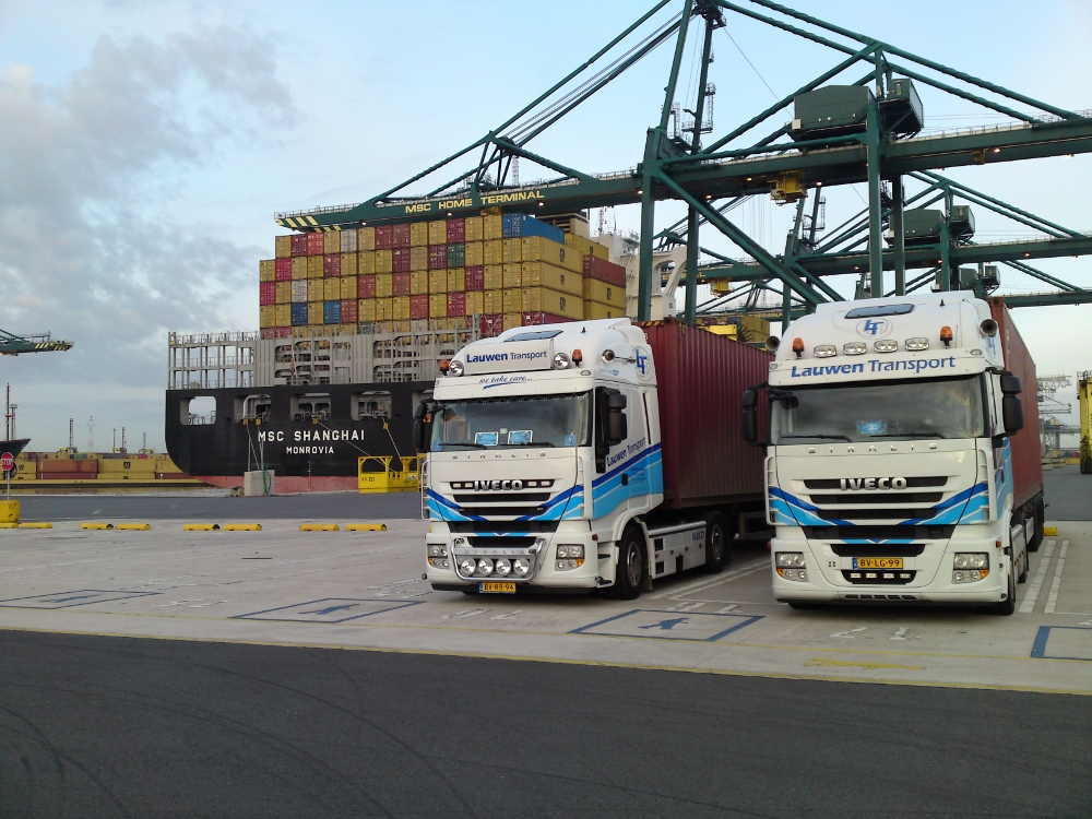 Foto's Lauwen Transport